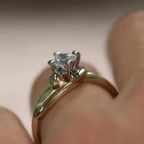 Solitário Ouro Amarelo 18 Quilates!e Diamante De 15 Pontos!