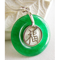 Amuleto Pingente Anel Pedra Verde Com Símbolo Da Sorte