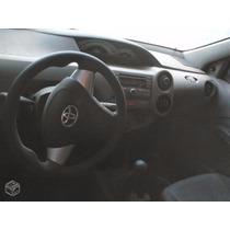 Sucata Do Toyota Etios 1.3 2013 2014 Para Venda De Peça