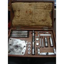 Antiga Miniatura De Uma Bomba Hidráulica Na Caixa Original