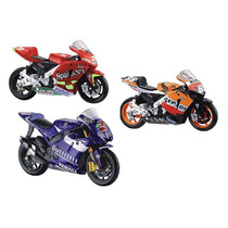 Super Kit Com 03 Miniaturas De Motos Gp Escala 1:18 Maisto