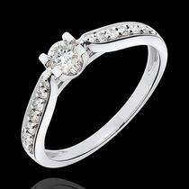 Anel Solitário Com Diamantes De 25 Pontos Em Ouro 18 Quilate