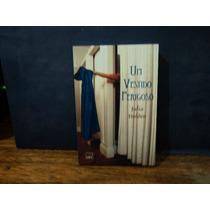 Livro: Um Vestido Perigoso ( Julia Holden )