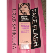 Victorias Secret Face Flash Base Iluminadora