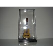 Miniatura De Cavaquinho 12cm. No Acrilico