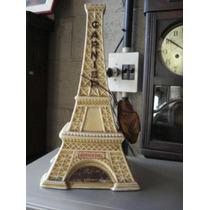 Garrafa De Porcelana No Formato De Torre Eifell
