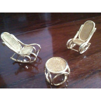 Cadeira De Balanço E Mesinha Em Miniatura Metal Dourado Fino
