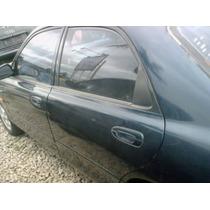 Fechadura Traseira Esquerda Do Mazda 626 95 2.0 Manual