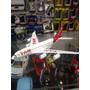 Miniatura Avião Tam Réplica Original Fricção Com Som De Voô