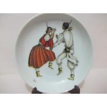 B. Antigo - Pratinho De Parede Em Porcelana Vista Alegre