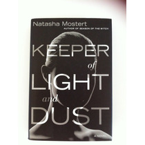 Livro Keeper Of Light And Dust - (livro Em Inglês)