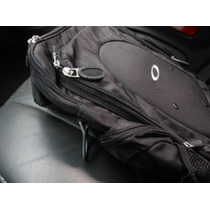 Mochila Oakley Executiva Slim - Modelo Vertical