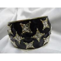 Bracelete Em Metal Dourado - Detalhes Preto E Strass