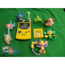 Game Boy Color Com Pokémon Yelow Com 8 Bonecos Pokémons