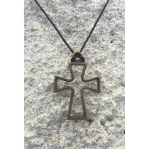 Colar Masculino Feminino Cruz Crucifixo Couro E Ouro Velho