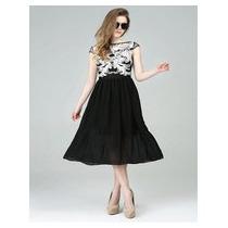 Lindo Vestido De Seda Preto Com Bordado Branco