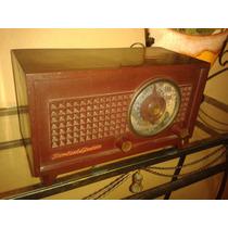 Relíquia: Rádio Standard Electric/1952- Modelo 1050 Virtuose