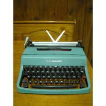 Máquina De Escrever Antiga Modelo Olivette Letera