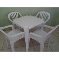 Conjunto 1 Mesa E 4 Cadeiras De Plástico Poltronas Goyana