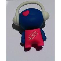 Pendrive 8 Gb Personalizado Bonequinho Ouvindo Música