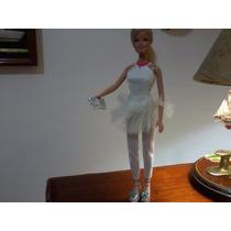 Roupa Nova Da Boneca Barbie Boneca E Sandálias Usadas Grátis
