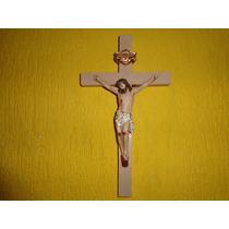 Crucifixo De Parede Em Gesso (p) Medida 28 Cm X 15 Cm