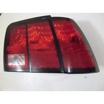 Lanterna Traseira Ford Mustang 1999 À 2004 L/direito