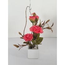 Arranjo Mini De Flores Artificiais Em Vaso De Porcelana