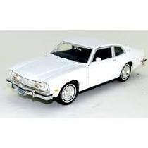 Ford Maverick 1974 1/24 Motor Max - Gm - Miniatura