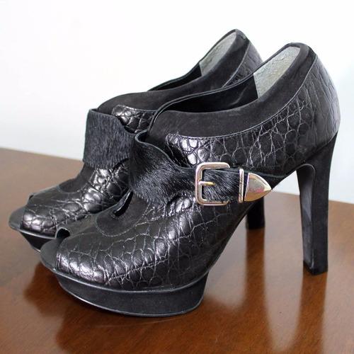 fb37a04b2d Sapato Bota Ankle Boot Cravo E Canela Couro Preta Salto Peep