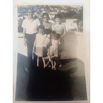 Foto Antiga (avó E Netos Menina Com Boneca Lili ) 8x6cm