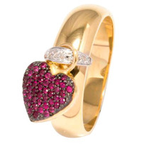 Anel Com Pingente Coração Em Ouro Amarelo18k Com Diamantes