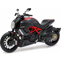 Miniatura De Moto Ducati Diavel Carbon 1:12 Maisto