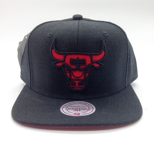 Boné Mitchell   Ness Nba Chicago Bulls Black Mais Brinde 8caa6c5ea7a