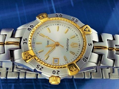 4700c78cfd0 Relógio Bulova Accutron 28m01 (siiço) Detalhes Banho Ouro