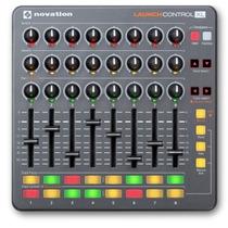 Controlador Midi/usb Launch Control Xl Novation 3484
