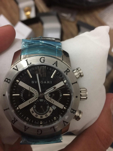 b6d09938930 Relógio Bvlgari Iron Man X Limited Dourado Fundo Preto. Preço  R  379 99  Veja MercadoLibre