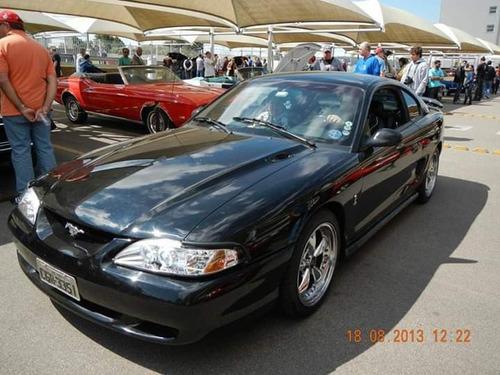 FORD MUSTANG GT V8  MANUAL