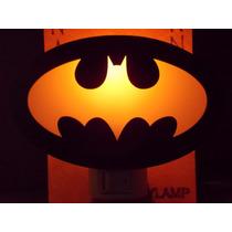 Luminária De Tomada Mini Em Acrílico Preto, Logo Batman