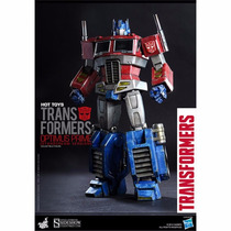 Transformers Generation Optimus Prime Collectible - Hot Toys