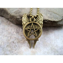 Colar Duplo Asas Castiel Mini Pentagrama Supernatural Bronze