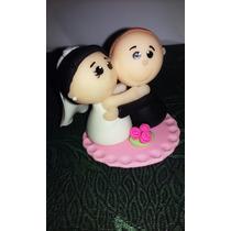Kit C/ 30 Lembrancinhas De Casamento Noivinhos Abraçados