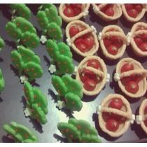 Lembrancinha De Árvore E Cestinha De Maças Feitas Em Biscuit