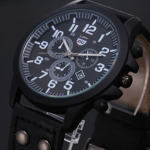 670ca864a39 Relógio Masculino Pulseira De Couro Militar Soki Ou Feminino. Preço  R  84  99 Veja MercadoLibre