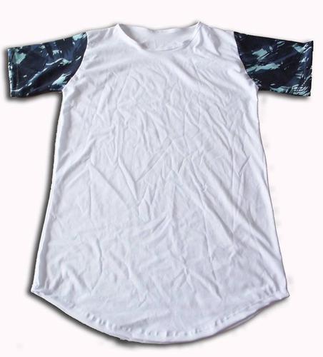 a78cb353ff Camiseta Longline Manga Camuflada Camisa Oversized Rosemary. R  27.5. 4  vendidos