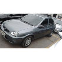Corsa Sedan 2000 1.0 Wind 8400