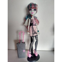 Boneca Monster High Rochelle Scaris Barata! 39