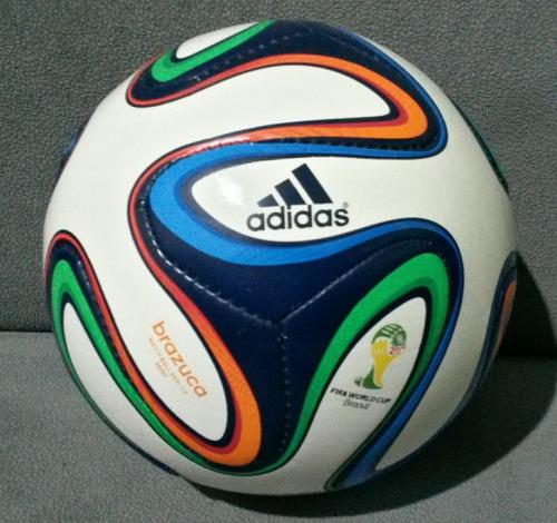 c474897254 Mini Bola adidas Brazuka Copa 2014 Brasil Match Ball
