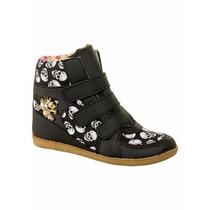 Calçado Tenis Bota Botinha Sneaker Com Estampa De Caveiras