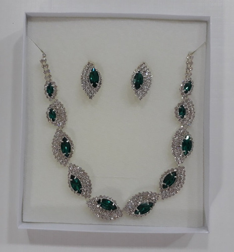8d1f230ea2 Conjunto De Jóia Pedra Verde Brilhante Brincos Colar Luxo
